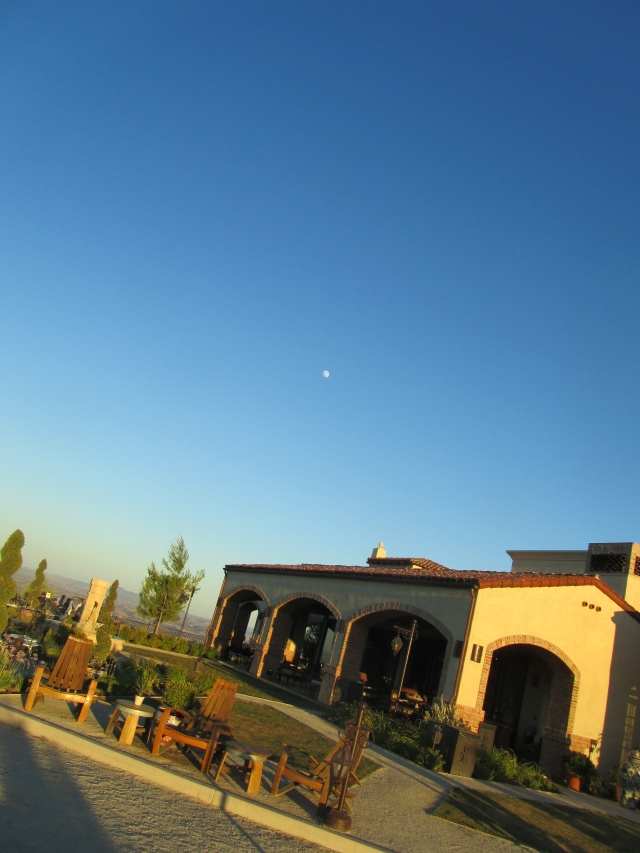Moon over Daou
