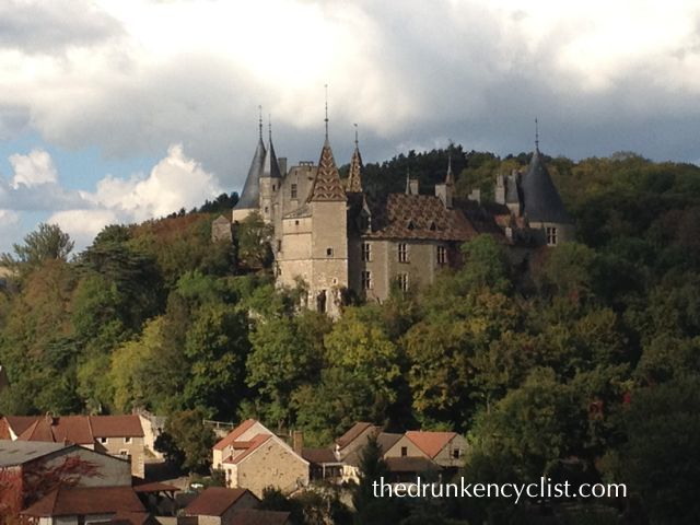 The end of the week had some great scenery. First, the castle of La Rochepot...