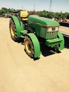 Gratuitous tractor picture--I love tractors.
