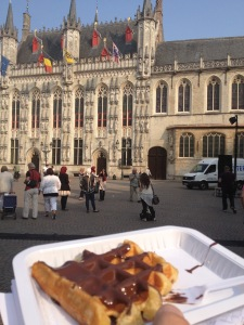 Another staple: a waffle smothered in chocolate on the Markt. It will have to wait...